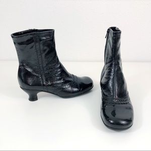 La Canadienne Black Patent Leather Waterproof Boot